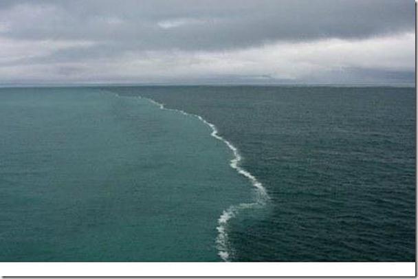 「陰陽海」台灣也有,但這是位於波羅的海與北海交匯於丹麥西北端的陰陽海,是由於兩股密度不一致海潮交會,無法融合成一體所致。