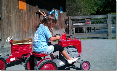 anna tractor