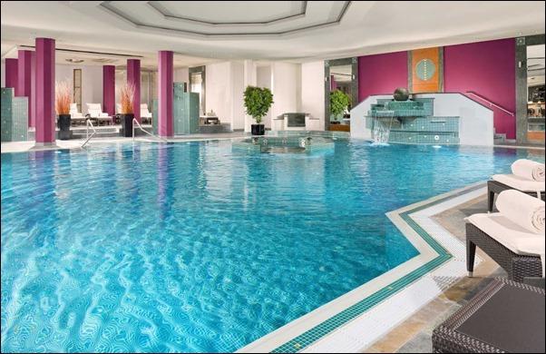 مسبح فندق ويستن ميونخ