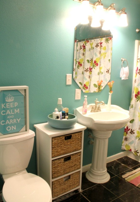 [IMG_2991%255B5%255D.jpg&description=Try-it Tuesday: Upstairs Bathroom Reveal—Putting the FUN in Functional')]