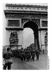 Jerman berhasil menduduki Paris, Prancis saat Perang Dunia 2