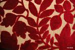 Tkanina ognioodporna, obiciowa. Plusz. Motyw roślinny. Czerwona.