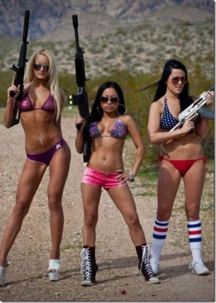 hot-women-guns-36