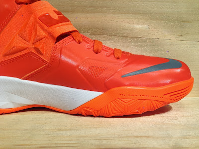 nike zoom soldier 7 tb brilliant orange 2 05 Closer Look at Nike Zoom Soldier VII Team Bank Styles