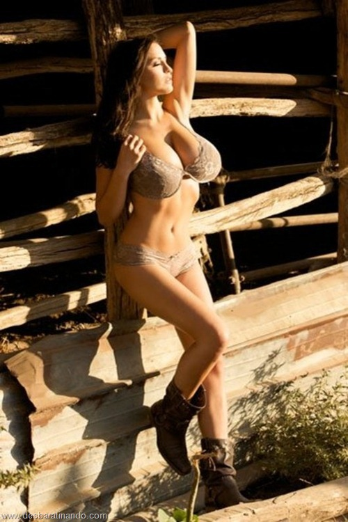 jordan carver linda sexy sensual peitos tits big tits desbaratinando (108)