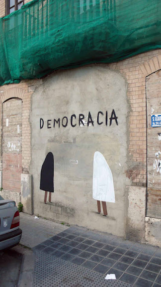 escif_democracia01_valencia_apr11_1.jpeg