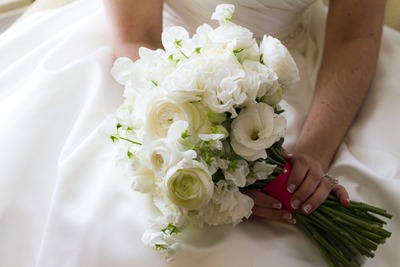 White bouquet - Ideas in Bloom, Collinsworth Photography