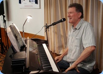 Murray Hancox, engaged the audience and took requests for songs. Loved his impromptu rendition of the Barry Manilow song 'Mandy'. Photo courtesy of Dennis Lyons.
