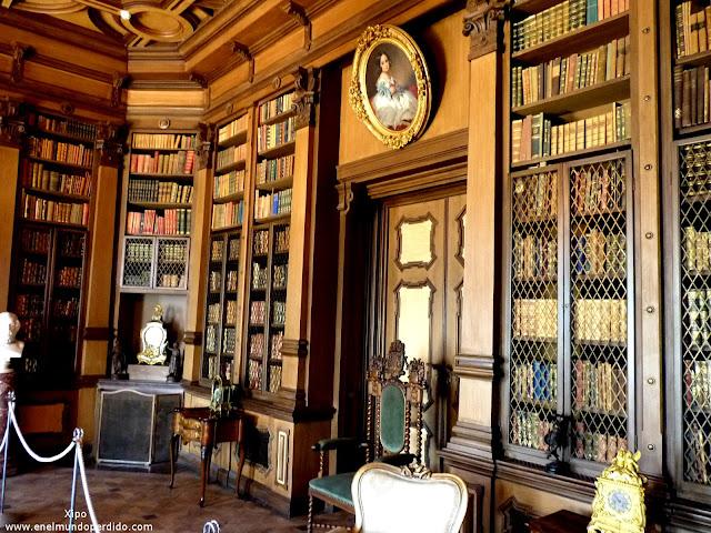 biblioteca-del-castillo.JPG