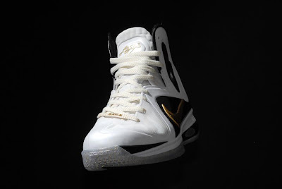 nike lebron 9 ps elite white gold home 9 08 kenlu LeBron 9 P.S. Elite White/Gold (Home) & Black/Gold (Away)