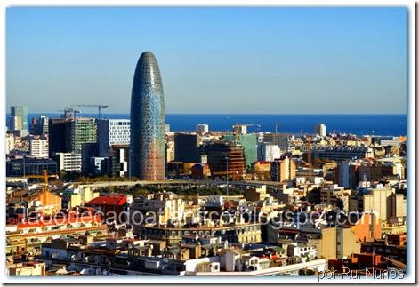 Imagem da Torre Agbar, Barcelona, pertencente à companhia de águas da cidade espanhola.