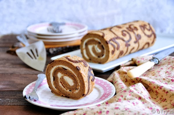 Decorated Coffee Swiss Roll with Step-by-Step Pictorial (彩繪咖啡瑞士卷)