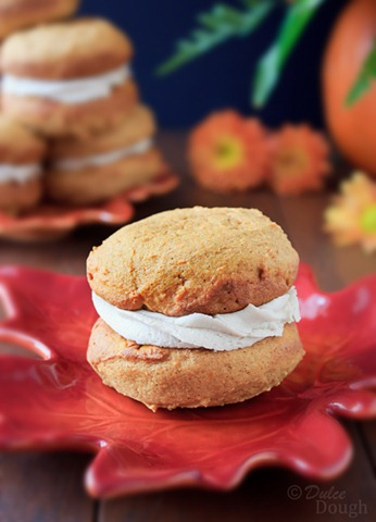Pumpkin Whoopie Pie2