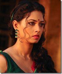 Actress Pooja Umashankar in Vidiyum Mun Movie Stills