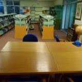 ライブラリー内のデスク / The desks of the inside of the library