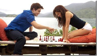 Robert-Pattinson-e-Kristen-Stewart-em-cena-de-Amanhecer-Parte-1--size-620