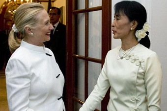 reuters_burma_clinton_suu kyi_480_01dec2011