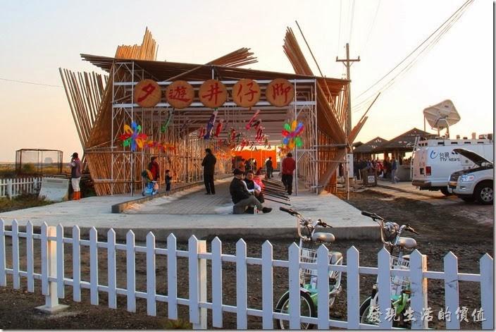 台南-2013井仔腳瓦盤送夕陽。這裡也可以DIY自己玩鹽巴。