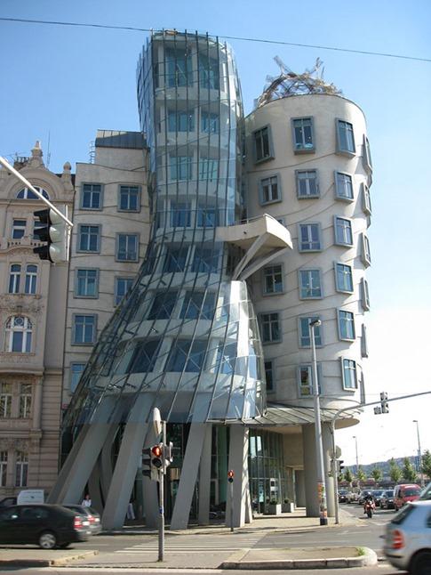 06. Casa Danzante (Praga, República Checa)