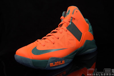 lebrons soldier6 orange camo 51 web black The Showcase: Nike Zoom Soldier VI Orange & Hasta Camo