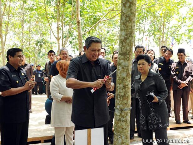 foto keseharian Presiden Indonesia Susilo Bambang Yudhoyono (29)