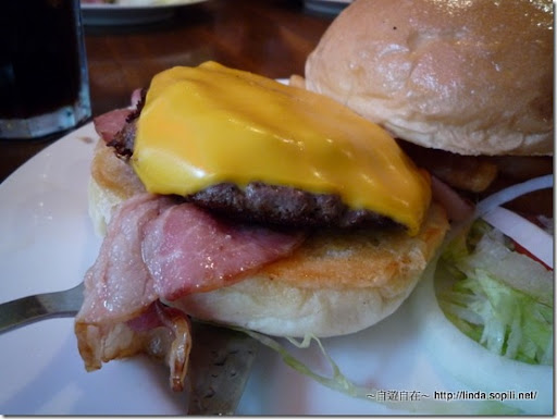 EVANS BURGER-紐澳良辣味牛肉堡2