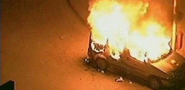 20jun2013---carro-e-incendiado-durante-protesto-no-centro-do-rio-de-janeiro-nesta-quinta-feira-20-1371769715124_615x300