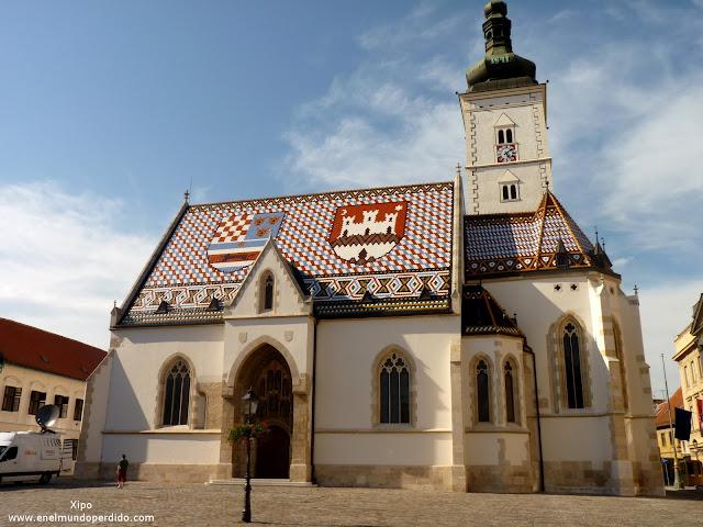 iglesia-de-san-marcos-zagreb-con-escudos-en-el-tejado.JPG