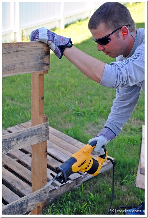 power tools, tutorial, pallet, video, reciprocating saw, pbjstories.com
