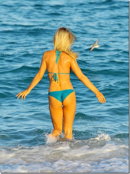 celebrity-beach-bum-42