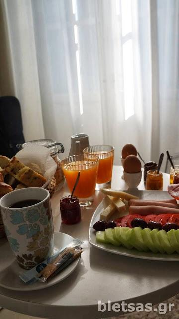 Πρωινό στο ξενοδοχείο 5hermoupolis