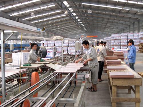 Nhà máy sản xuất gạch ốp lát của Công ty cổ phần CMC