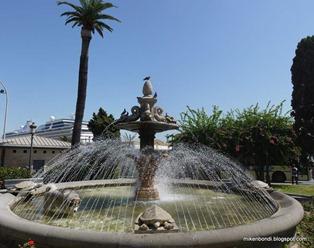 Munson in fountain