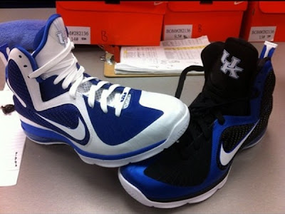 nike lebron 9 pe kentucky wildcats away 1 01 Nike LeBron 9 Kentucky HOME & AWAY Player Exclusives