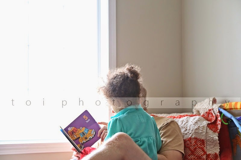 daddy and AOI reading