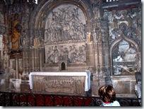 2005.08.19-005 sculptures dans la cathédrale