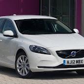 2013-Volvo-V40-New-4.jpg