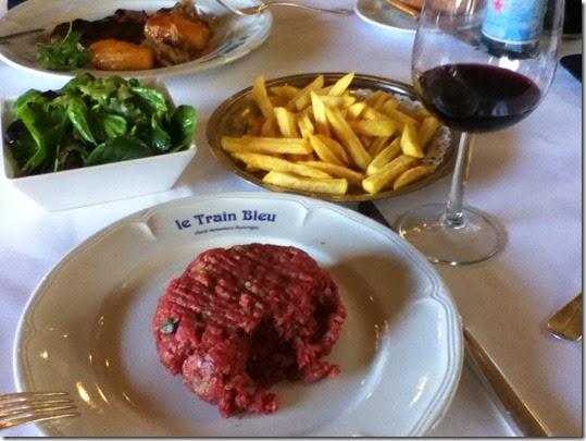 Le Train Bleu 8 - Simone's Meal (Ipod)