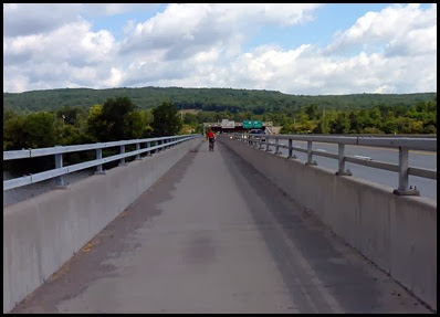 04e - Heading back to the Campground - Bridge over Mohawk River to Campground