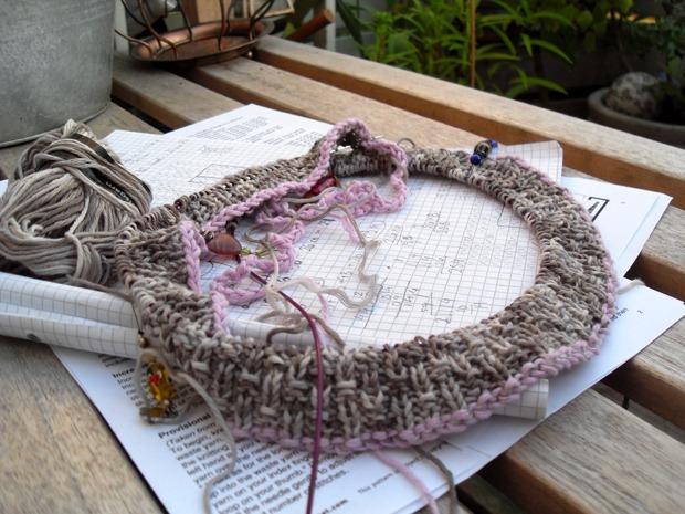 en noget utraditionel størrelse strikkeprøve