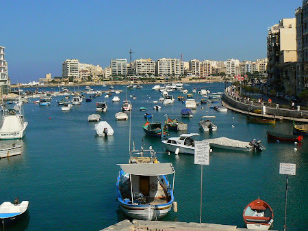 Malta travel: gulf of St. Julien's