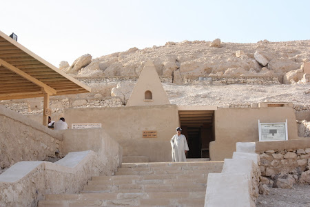 Intrarea in mormintele mesterilor Egipt