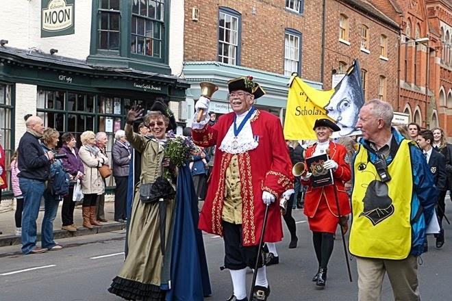 Участники парада на день рождения Шекспира