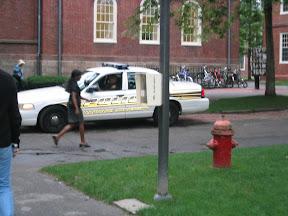 043 - La policia de harvard.jpg