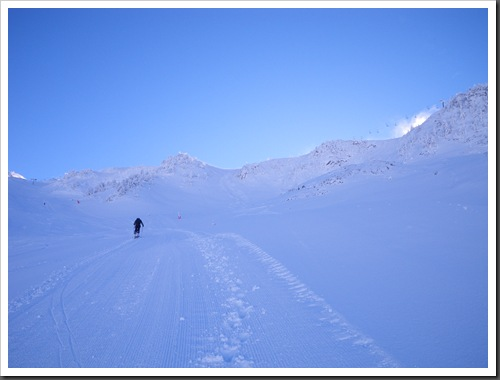 Cap de Baqueira 2466m desde Parking Orri con esquis (Baqueira, Valle de Aran, Pirineos) 2943