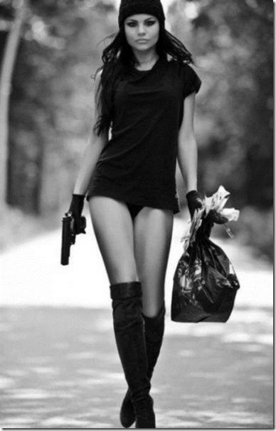 hot-women-guns-19