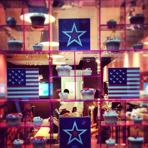 #186 - Hummingbird Bakery celebrates Independence Day on 4th July