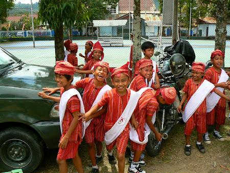 Tana toraja: children
