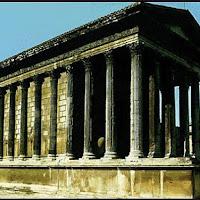 09.- Templo de la Maisson Carrée