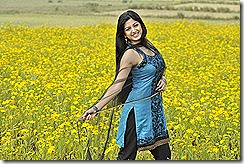 Poonam-kaur_beautiful pic